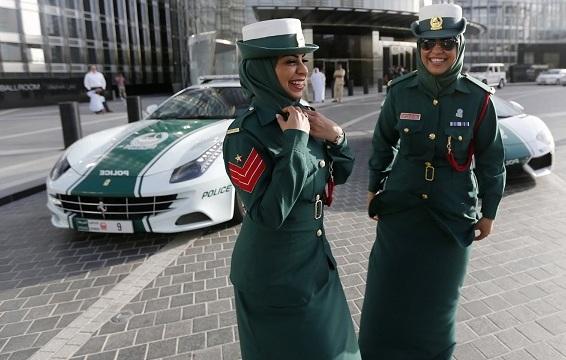 Dubai-police-women-gg